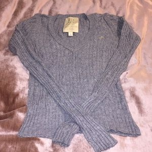 Final⚠️ Hollister Cable Sweater